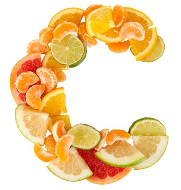 مکمل ها یا خوراکی های حاوی ویتامین C را در برنامه غذایی روزانه باعث پوستی شادابتر می شود و با توجه به اینکه ویتامین C در پیشگیری از ابتلا به سرماخوردگی هم تاثیر بسیار مثبتی دارد احتمال ابتلا به سرماخوردگی در این افراد به حداقل می رسد