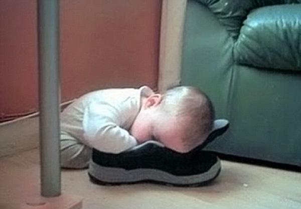 خوابیدن بامزه بچه ها