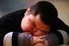 نوجوان های بی خواب در جوانی چاق می شوند