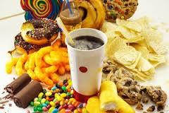 خوراکیهایی که در تابستان نباید خورد