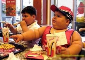 چاقی کودکان به سرعت در حال افزایش است/ پيشگيري از اضافه وزن از سنين پايين شروع شود