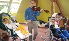 موسیقی درمانی و تأثیر آن بر روی بدن انسان